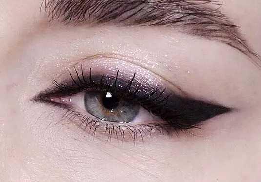 Красивые ресницы и макияж